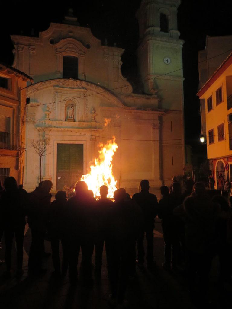 Hoguera de San Antón.