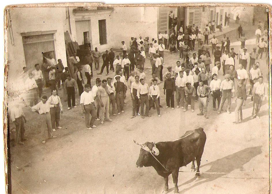 El Torico. Fotografía Archivo L. Fenench.