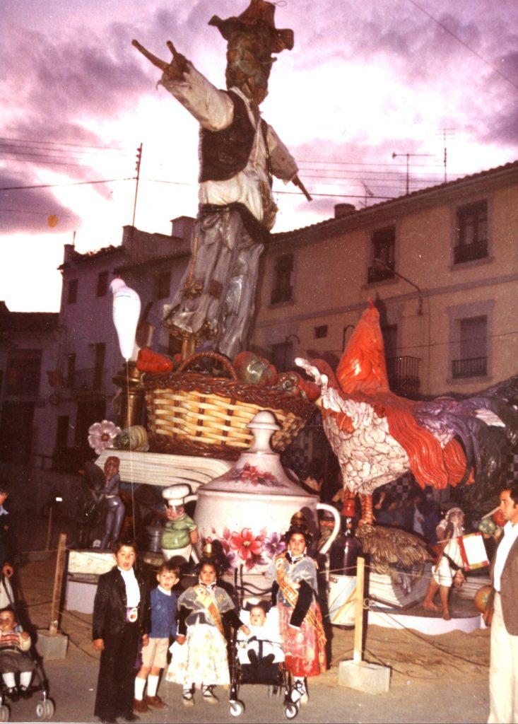 Falla Plaza Constitucion 1982. Foto Archivo L. Fenech.