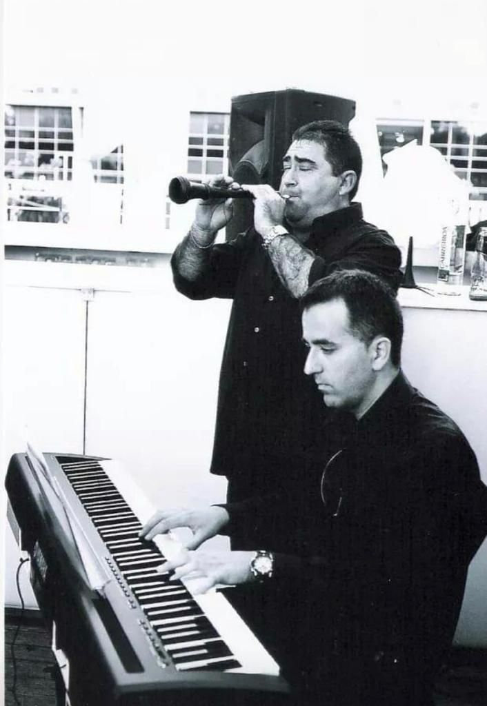 Manuel Morales y Marcial Pierres en plena interpretación.