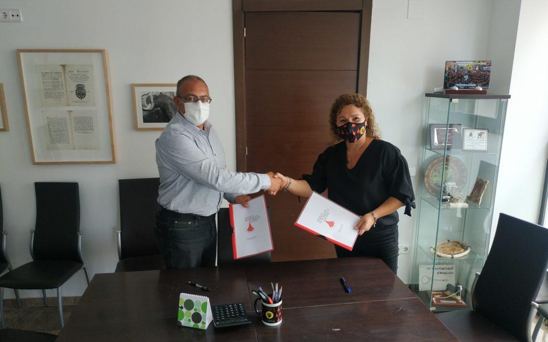 Se firma un convenio de colaboración entre la Peña y el CECH.